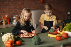 לבשל עם הילדים כך תהפכו יום בישול לחוויה - עידן בן אור .