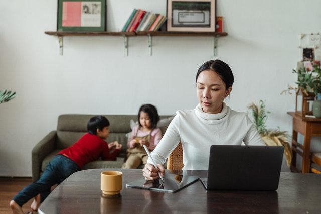 הורים עצמאיים: קידום ברשתות חברתיות הוא הדרך לקדם את העסק ב-2021